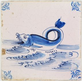 Antique Delft tile with a beautiful fish opening its jaws, 17th century Harlingen