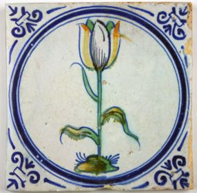 Delft tile with polychrome tulip
